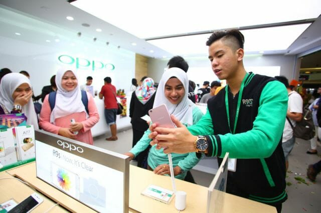 805OPPO Flagship Store launch