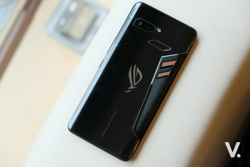 ASUS ROG Phone is the world's most bad-ass (gaming) smartphone