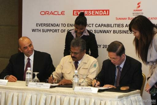 Oracle, Eversendai and Sunway Business Applications sign MoU of partnership: (L-R): K.Raman, Regional Managing Director, Oracle ASEAN; Dato' A.K. Nathan, Executive Chairman and Group Managing Director, Eversendai; Dato' Chew Chee Kin, President, The Sunway Group