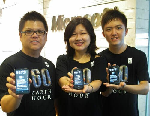 (L-R)-Peter-Tam,-Director-of-Local-Software-Innovations,-Microsoft-Malaysia;-Suan-Tan,-Brand-Activation-Manager,-WWF-Malaysia;-TC-Pun,-Microsoft-Student-Partner