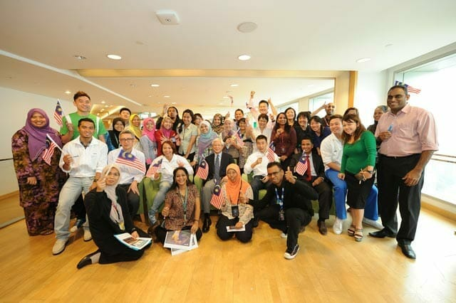Maxis-Celebrates-with-Olympic-Medallists