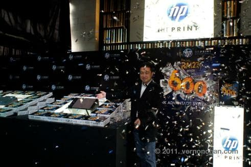 Bernard Chiang, HP Country General Manager, Imaging and Printing Group, launching the event.