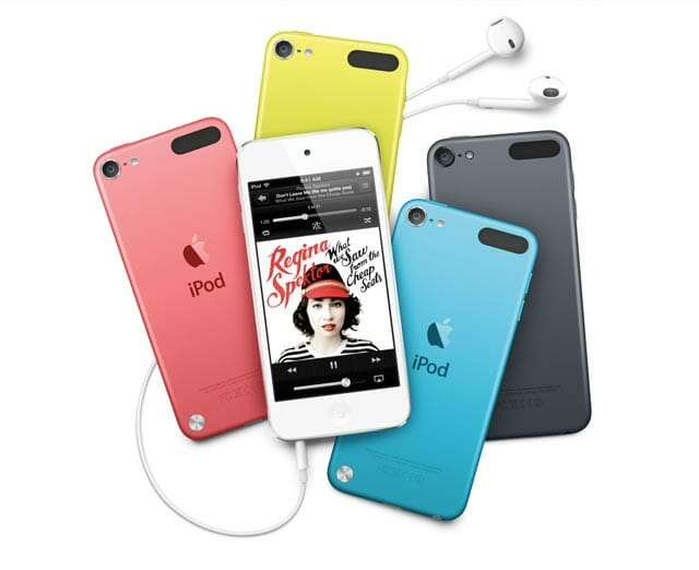 iPod_Touch_Family_4PB_PF_NowPlaying_PRINT